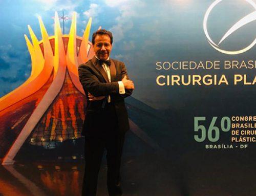 Dr. Fausto Bermeo palestra durante o 56° Congresso Brasileiro de Cirurgia Plástica